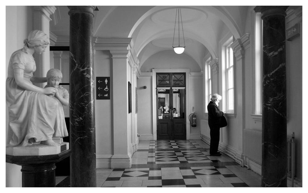 photoblog image HALLWAY